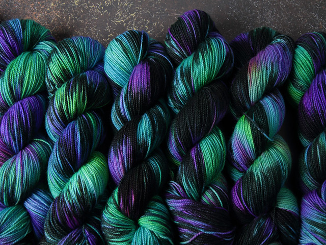 Favourite Sock – pure merino wool superwash 4 ply/fingering hand-dyed yarn 100g – 'Outer Planets'