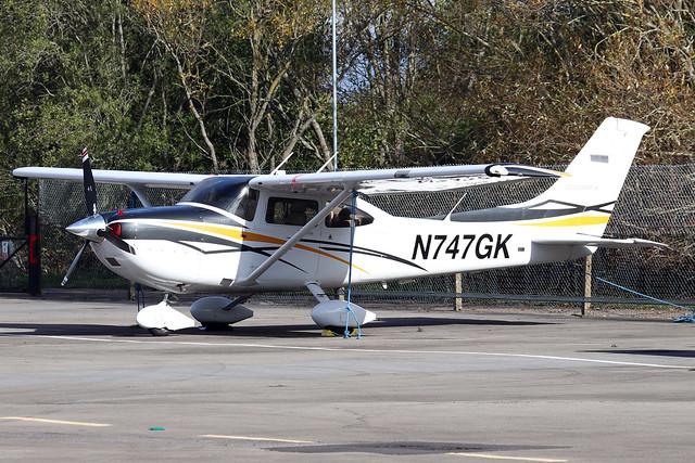N747GK  -  Cessna 182T Skylane c/n 182-82029  -  EGLK 16/10/20