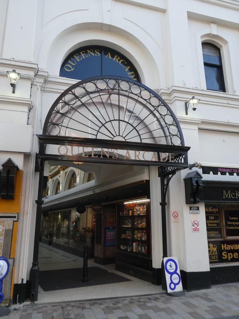 Pintu Masuk Queen's Arcade, Belfast