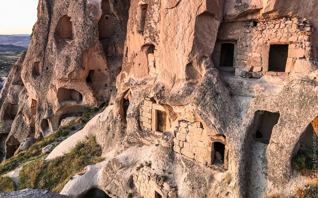 Uchisar-Castle-Cappadocia-iphone-8030