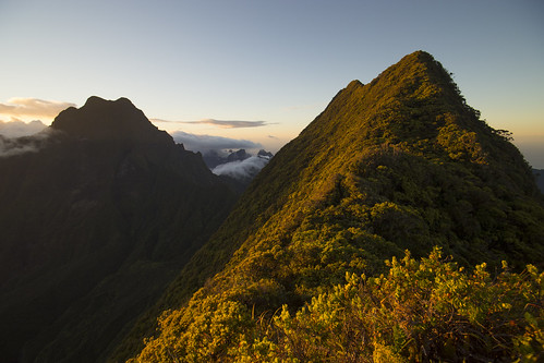 polynésiefrançaise polynésiefrancaise tahiti polynésie polynesie polynesiefrancaise frenchpolynesia hike hiking montaorai mountaorai rando randonnée leverdesoleil coucherdesoleil lever de soleil coucher sunrise sunset bivouac