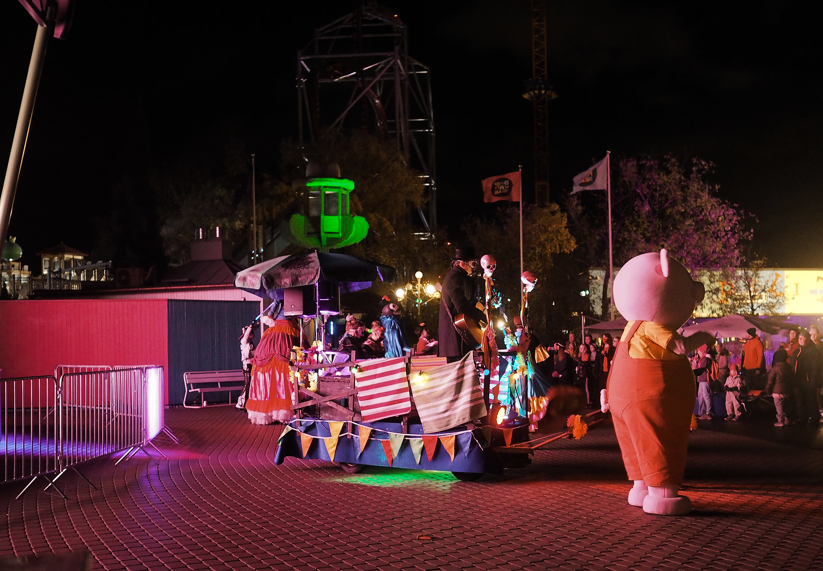 karmiva karnevaali halloween paraati