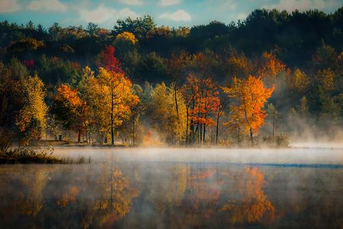 fall morning upstate new york west sand lake ny reichards steam fog water reflection trees tree leaves change autumn rwgrennan rgrennan landscape nature outdoors kayak grennan nikon d610 ryan