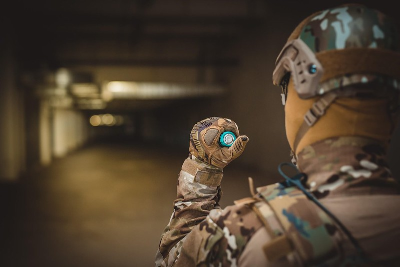 OLIGHT Warrior X PRO 武士 Red Blue 2250流明 遠射 戰術手電筒 -12