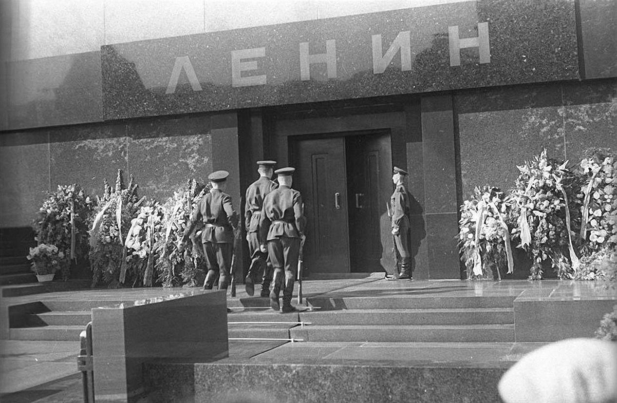 1967. Смена часовых. Красная площадь