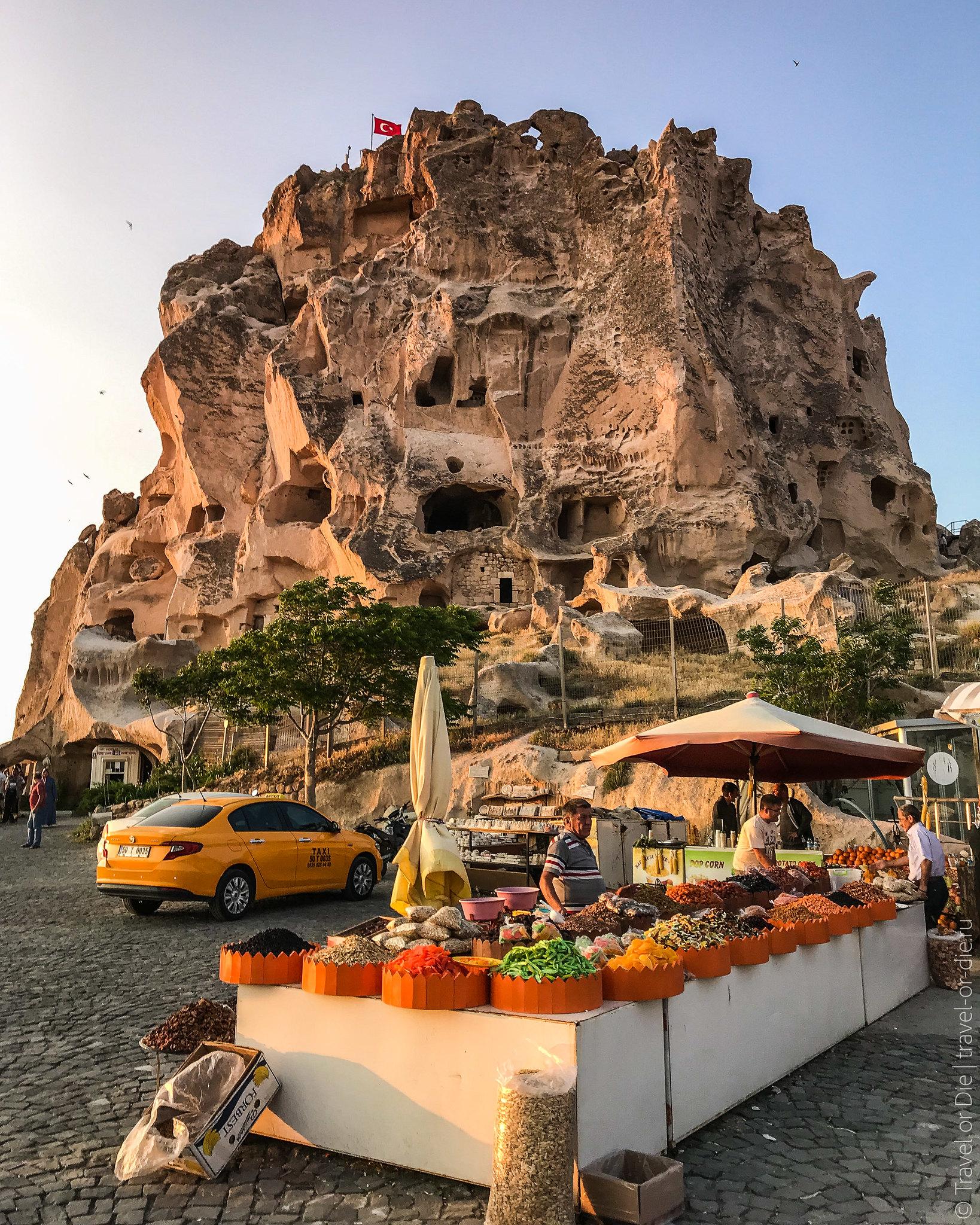 Uchisar-Castle-Cappadocia-iphone-8021