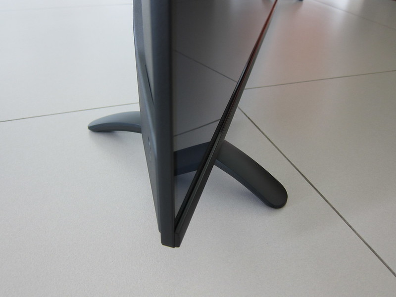PRISM+ Q55 TV - Stand