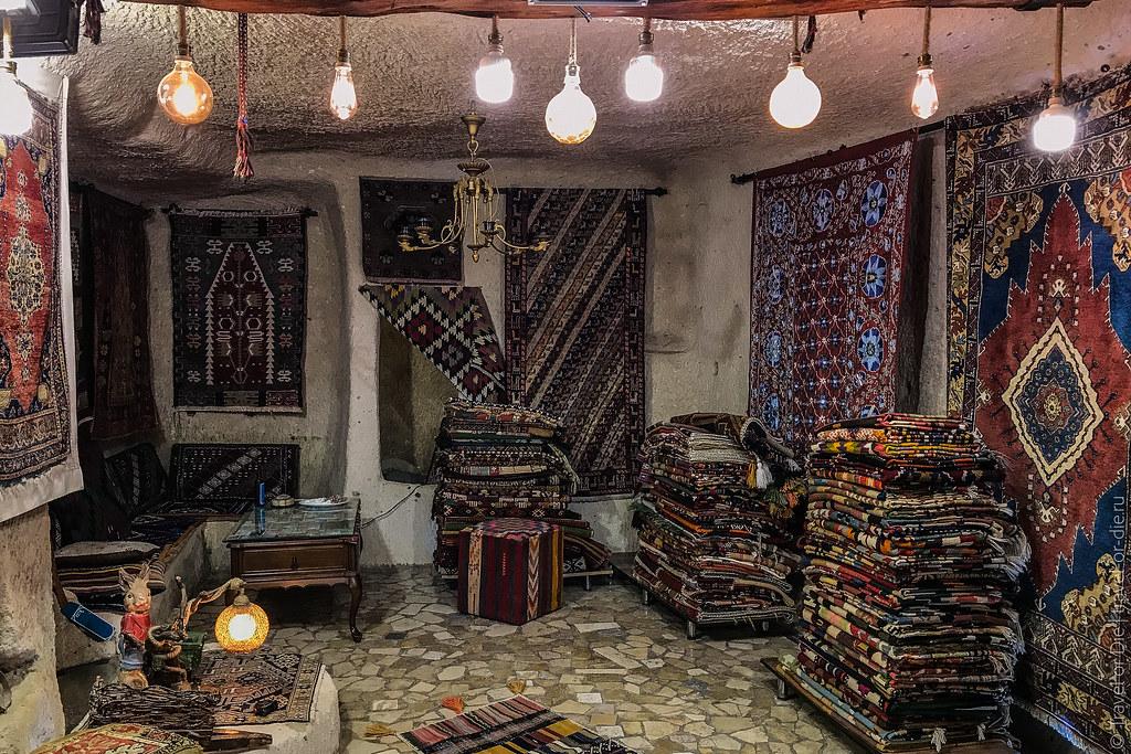 Uchisar-Castle-Cappadocia-iphone-8071