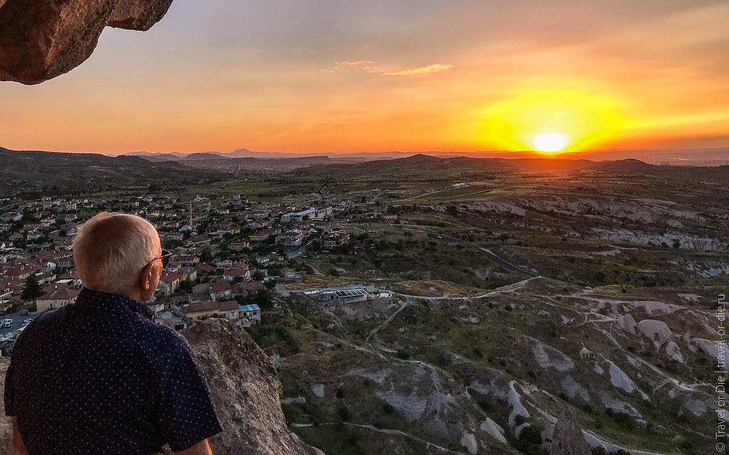 Uchisar-Castle-Cappadocia-iphone-8050