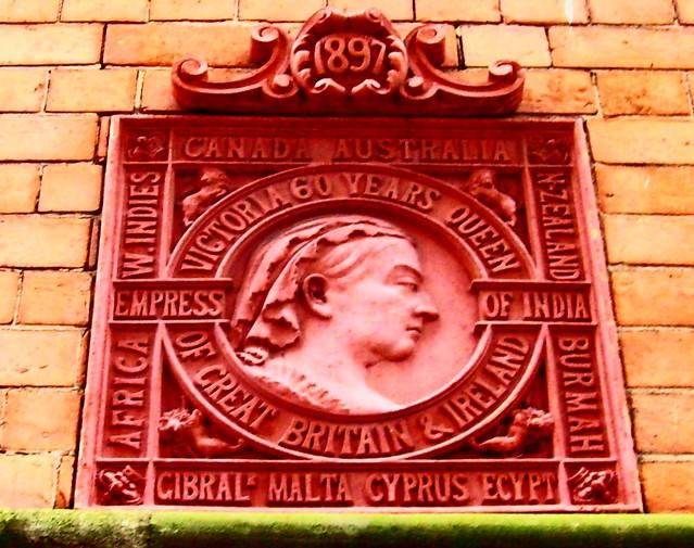 Queen Victoria 'show off' plaque in Nottingham