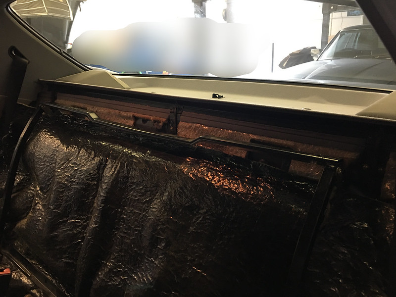 W126 power rear seat removed