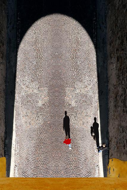 D'in su la vetta della torre antica