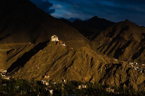 namgyaltsemogompa gompa gompainthemountains namgyaltsemomonasteryleh leh ladakh mountains landscape sunsetlights sunsetinhimalayas unionterritoryofladakh