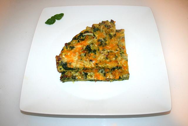 29 - Frittata with potatoes, spinach & bacon - Serviert / Frittata mit Kartoffeln, Spinat & Speck - Serviert