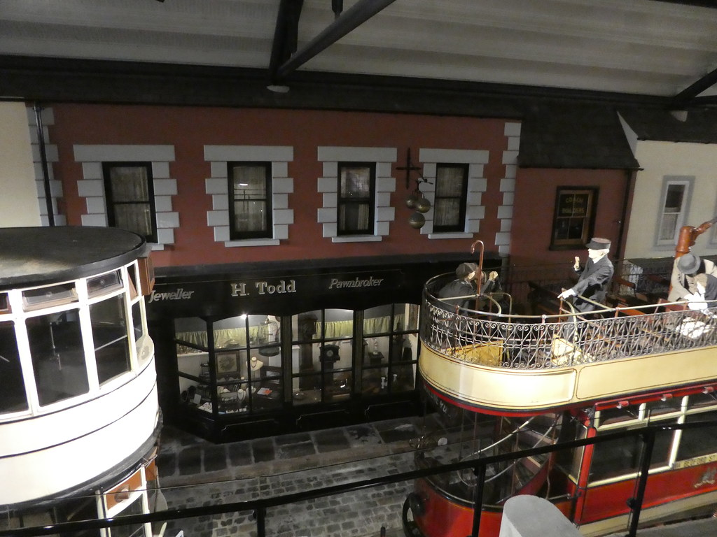 Trem yang dipamerkan di Museum Transportasi Ulster