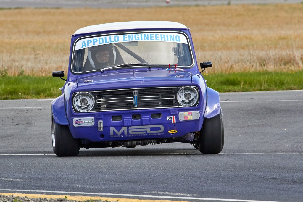 The Mini Clubman of Julian Harber at Blyton (A Mitchell)