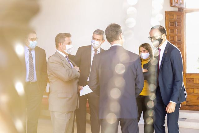 Encuentro con las diputaciones, los agentes económicos y sociales y la FEMP