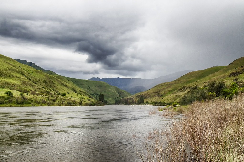 photo of salmon river in idaho