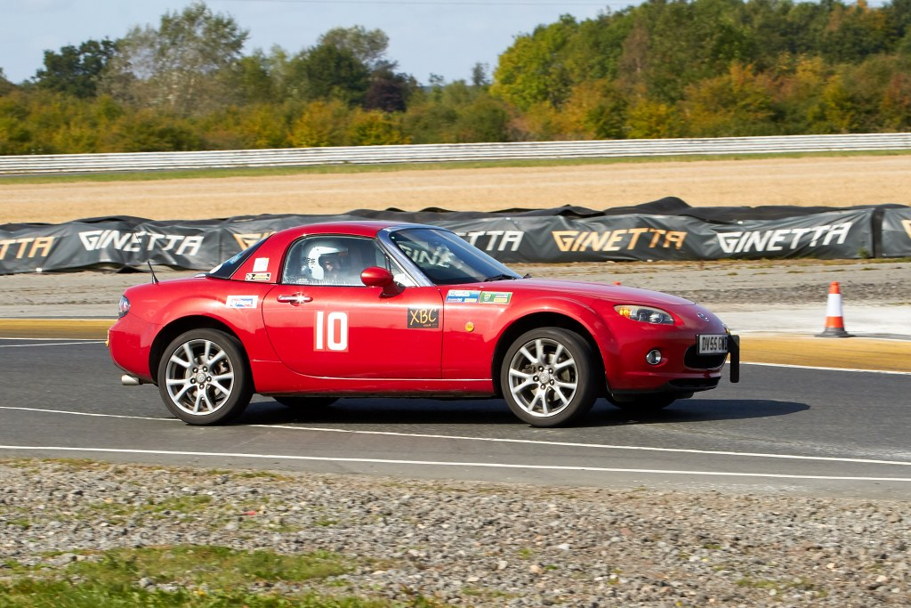 John Wadsworth's Mazda MX5 at Blyton (A Mitchell)