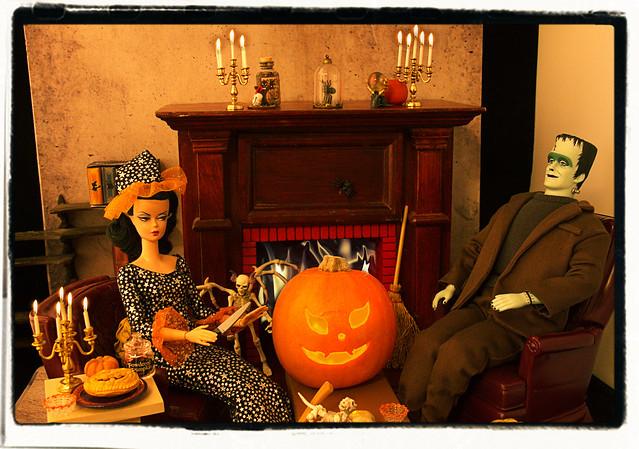 Muffy Carves a Pumpkin