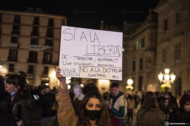 2020_10_26 Contra el toc de queda i la privació de drets Xavi Ariza(01)