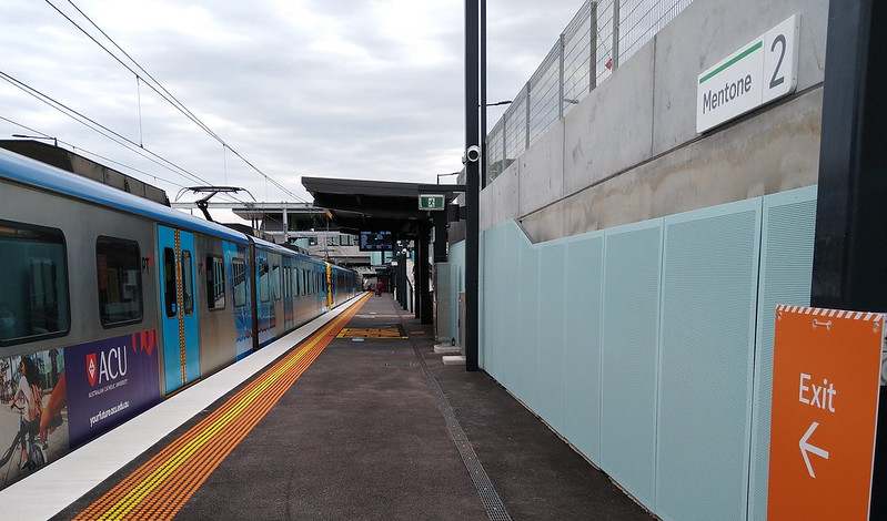 Mentone station platform