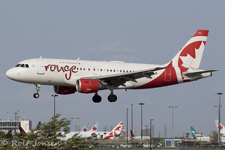 C-FYIY Airbus A319 Air Canada Rouge Toronto Pearson Airport CYYZ 22.08-18