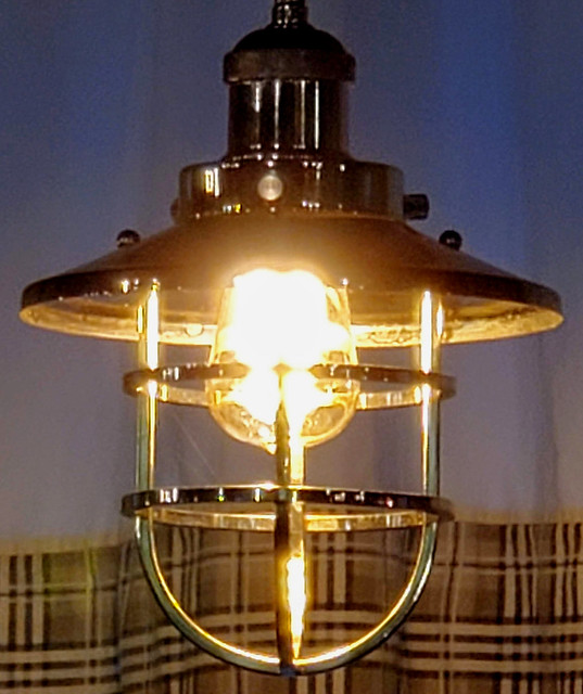 Retro modern light fixture