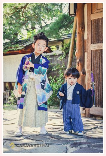 和装の兄弟写真 東山荘(名古屋市)で七五三前撮りのロケーション撮影