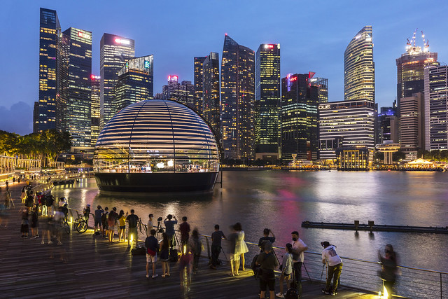 Blue Hour at Apple Store in Marina Bay Singapore