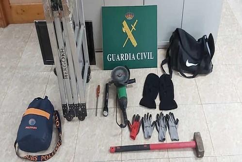Material intervenido a los detenidos (Foto: Guardia Civil)