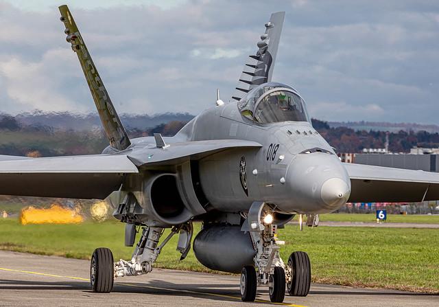 EML/LSME: SwissAirForce / Boeing F/A-18C Hornet / J-5018