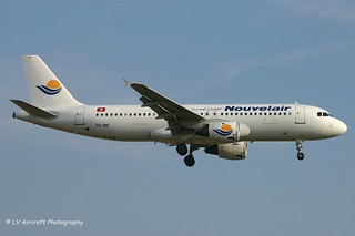 TS-IND_A320_Nouvelair_old cs