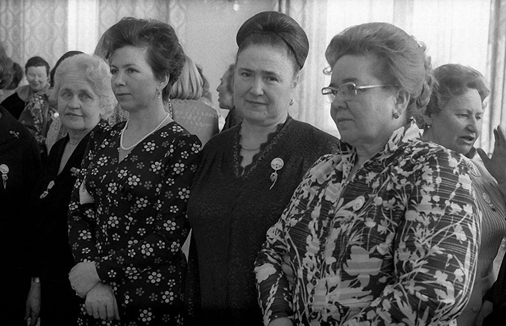 1969. Раиса Максимовна Горбачева и Елизавета Ивановна Кириленко на приеме в честь 8 Марта
