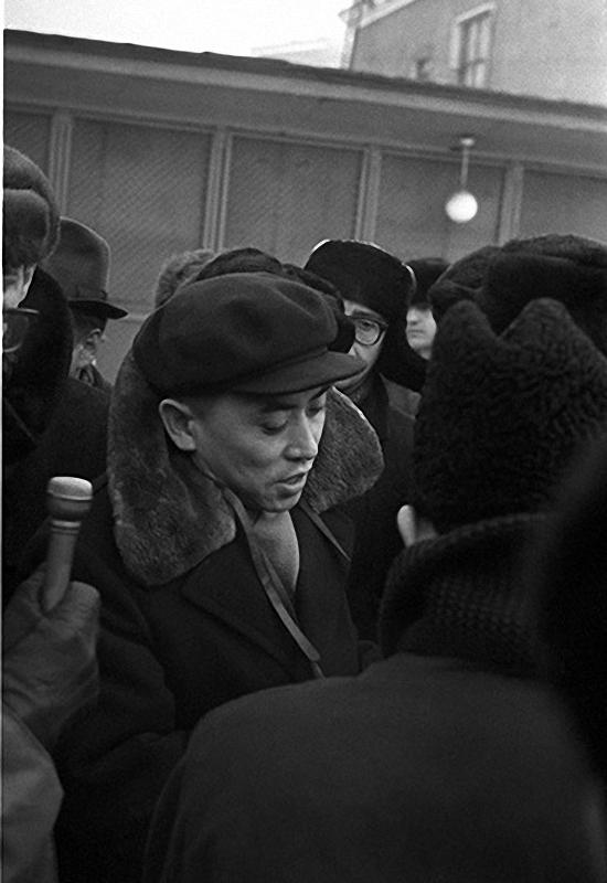 1967. Китайский студент дает интервью перед высылкой на родину после событий на Красной площади