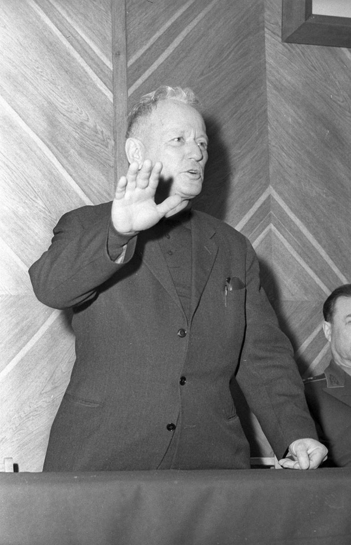1965. Выступление писателя Михаила Шолохова