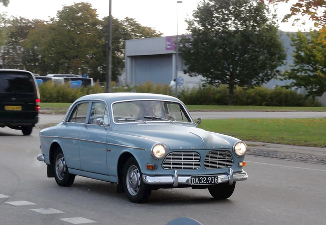 Volvo Amazon DA32936 seen on the morning commute to work