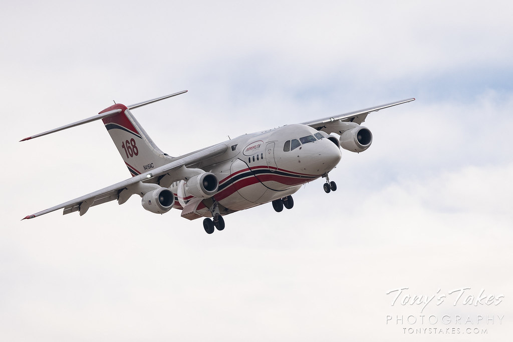 Aero-Flite Avro RJ85 on approach to Rocky Mountain Metropolitan Airport. (© Tony's Takes)