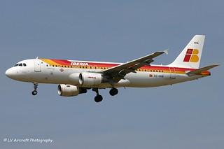 EC-HHA_A320_Iberia_Xacobeo 2004