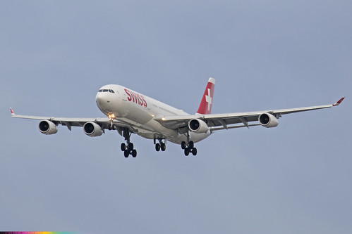 HB-JMH  -  Airbus A340-313  -  Swiss International Airlines  -  LHR/EGLL 28/10/20 | by —Plane Martin—