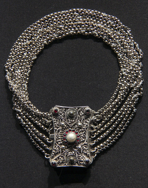 Neckalce (Kropfkette), Austria, 1800-70, Silver with garnets and imitation pearl
