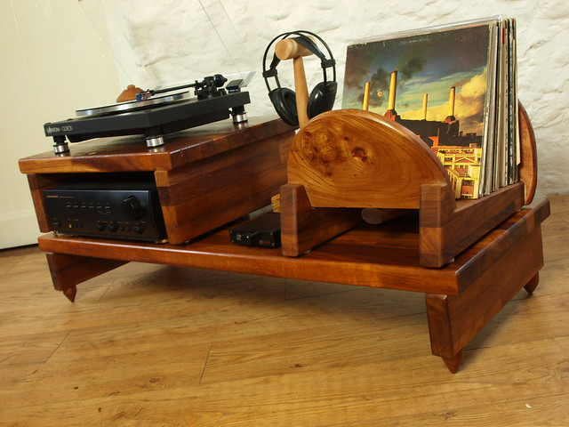 Bespoke decoupled hifi turntable stand.