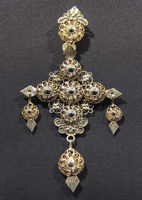 Cross pendant, Spain, Salamanca, 1800-70, guilded silver filigree