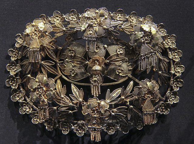Chignon clasp (burletto), Italy, Novara, 1870-1900, gilded silver filigree