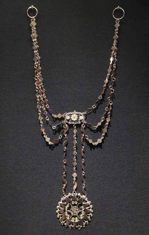 Necklace, Italy, Naples, 1830-40, gold with enamel and pearls, worn in Sicily