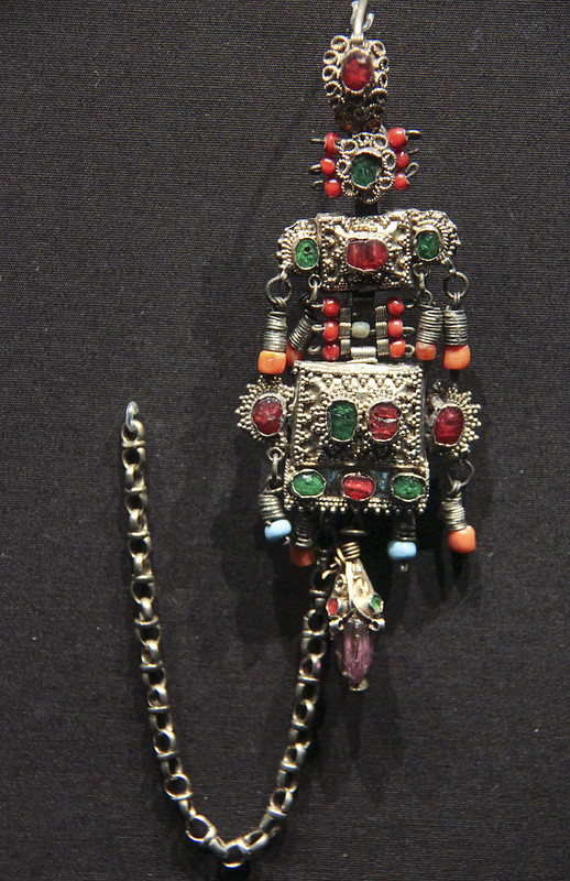 Earring, Turkey or Balkans, about 1850, gilded silver with coral and coloured glass