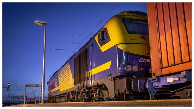 335 Continental Rail