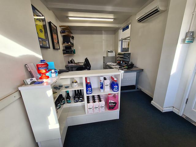 Crookham Service Garage Desk