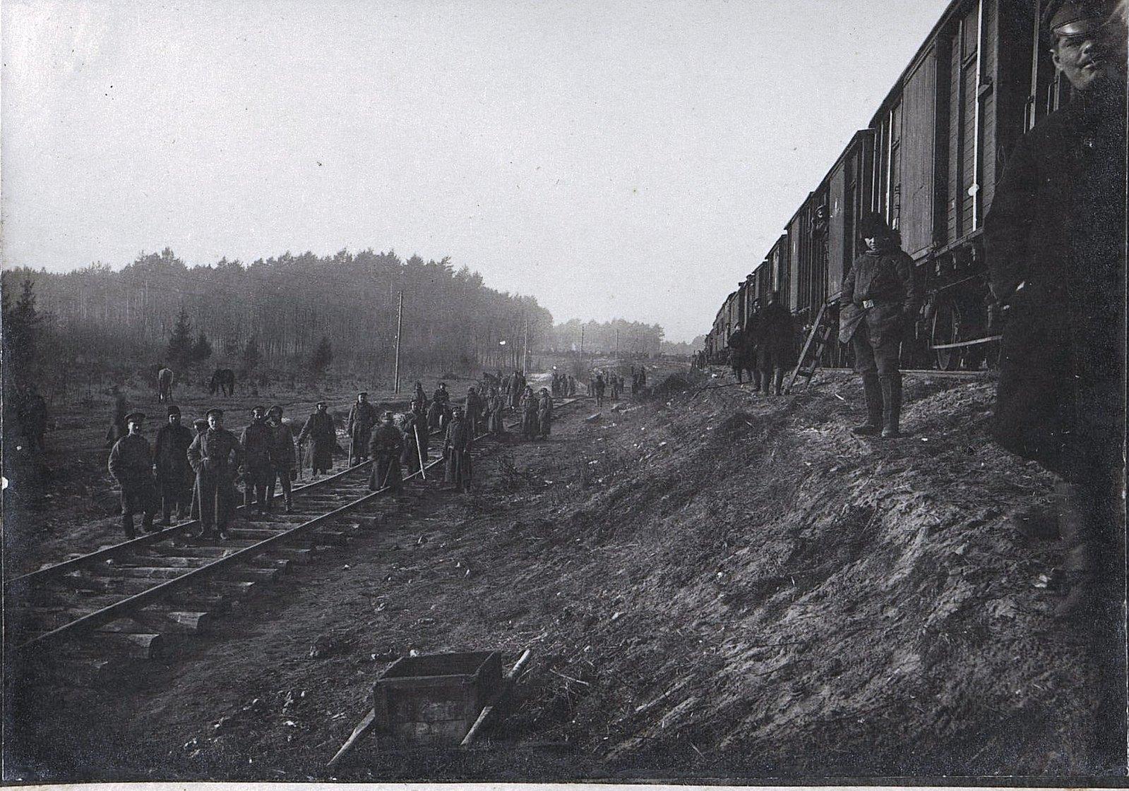 30. Укладка тупика на станции Влощова 2-й ротой