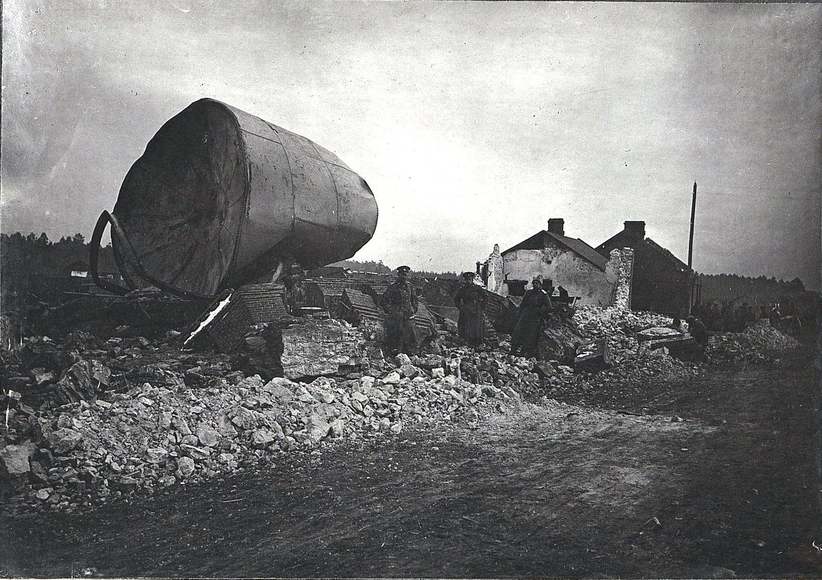 29. Разрушенное водоёмное здание на станции Влощова